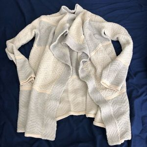 Lucky Brand Sweater Small Gray and White